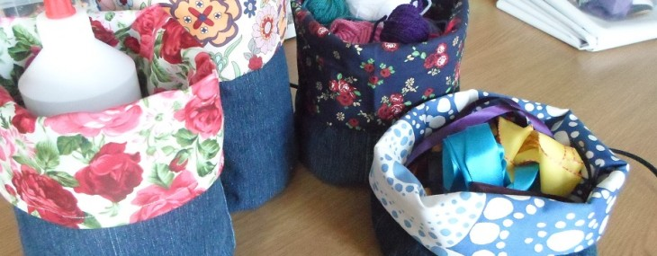 Tutorial: Recycle old jeans into storage baskets